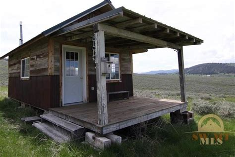 12 tiny houses in the mountains for sale