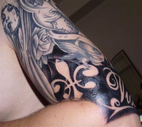 negative tattoo negative space fleur tattoo inkaholic pinterest