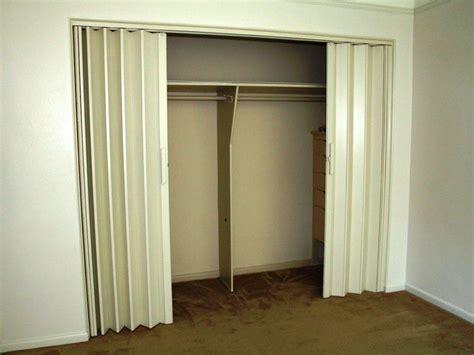 accordion folding closet doors accordion closet doors