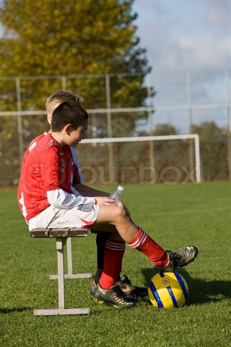 how many players on the bench in soccer how many players on the bench in soccer 28 images does