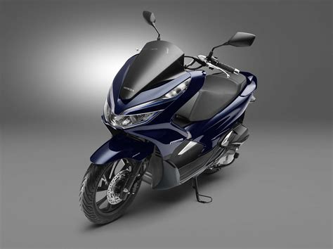 Pcx 2018 Japan by Honda Debuts Hybrid And Electric Scooters For 2018