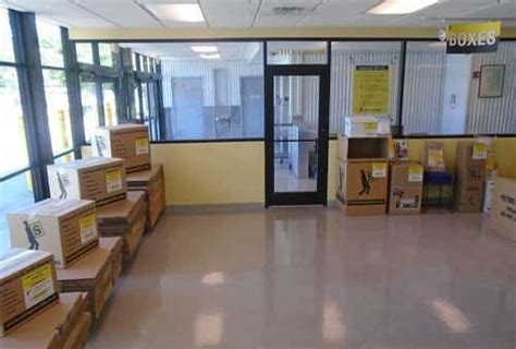 Storage Units Metairie La by Self Storage Units In Metairie La On Riverside Dr From