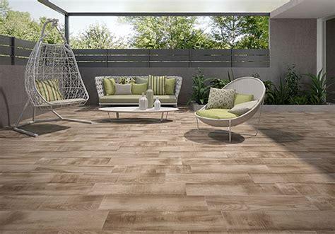 ceramicas para patios exteriores suelos de exterior para porches y terrazas las soluciones