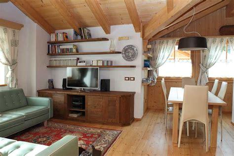 soggiorno e sala da pranzo stile classico per un open space soggiorno sala da pranzo