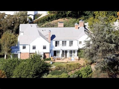 evan spiegel house miranda kerr and evan spiegel remodeling their new 12m love nest in brentwood youtube