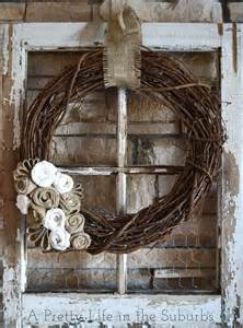 Wreaths In Windows Inspiration 30 Diy Craft Projects Using Vintage Windows Diy Projects