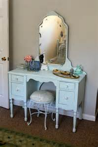 Makeup Vanity Parts 17 Best Ideas About Painted Makeup Vanity On