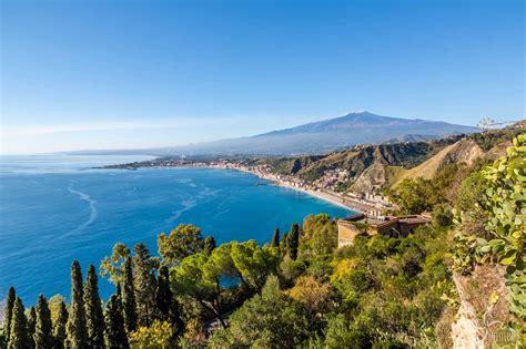spiagge giardini naxos la spiaggia di giardini naxos taormina sicilia