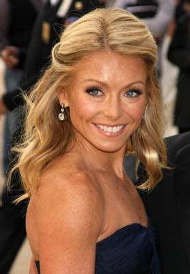 how does kelly ripa bend her hair damon cool picture kelly ripa cuts her hair beauty