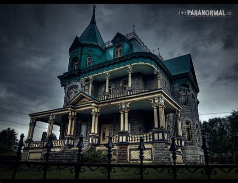 creepy house quebec s quot addams family quot house l ange gardien quebec see more at http theparanormal ca