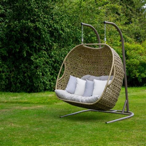swinging garden seat garden swing seats uk ideas garden swing hammock uk cheap