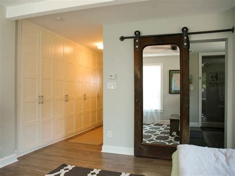 Hanging Mirror On Closet Door by 1000 Ideas About Hanging Barn Doors On Barn