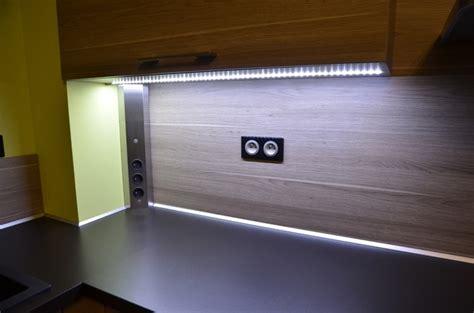 馗lairage plan de travail cuisine led eclairage led cuisine plan de travail cuisine id 233 es de