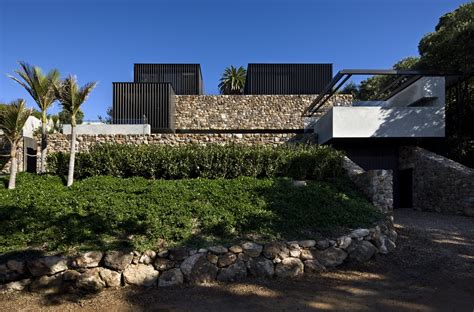 Local Rock House 7   e architect