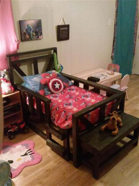 pallet toddler bed 3 diy recycled pallet ideas 99 pallets