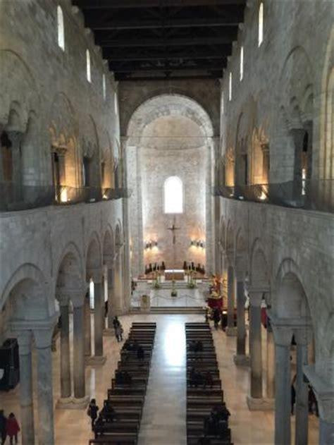 foto interno interno della cattedrale picture of cattedrale di trani