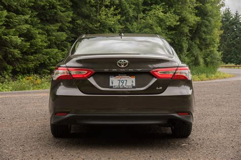 2018 Camry Reviews by 2018 Toyota Camry Se 2 5l Test Review Car And Driver