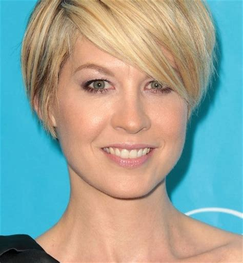 hairdos for round faces and fine hair short hairstyles for round faces shorthairstyleslong com
