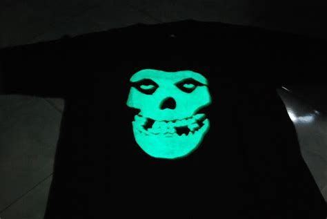 Kaos Tshirt Vodka T Shirt jual kaos t shirt glow in the belajar komputer