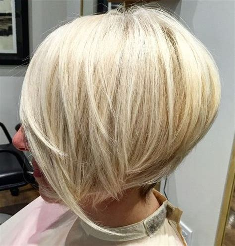 highlights with blonde and dark on chin length hair 50 best bob hairstyles for 2017 cute medium bob haircuts