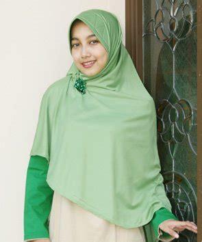 Jilbab Ah kerudung jaman sekarang vs kerudungku missriario