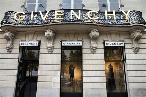 home design stores paris givenchy fashion at thyssen museum love 2 fly