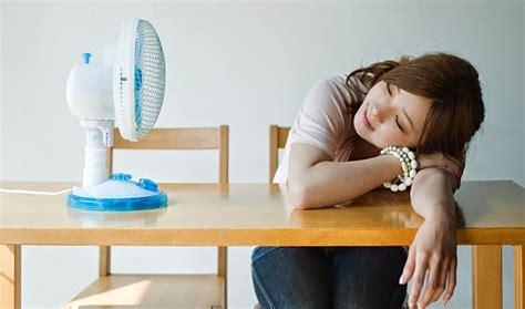 Kipas Angin Dan Ac anggapan bahaya tidur dengan kipas angin dan ac