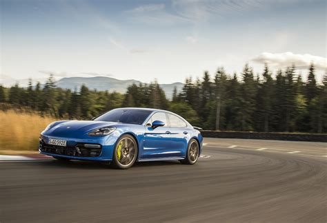 Porsche Panamera Hybrid Test by Test Porsche Panamera Turbo S E Hybrid 2017 Autowereld