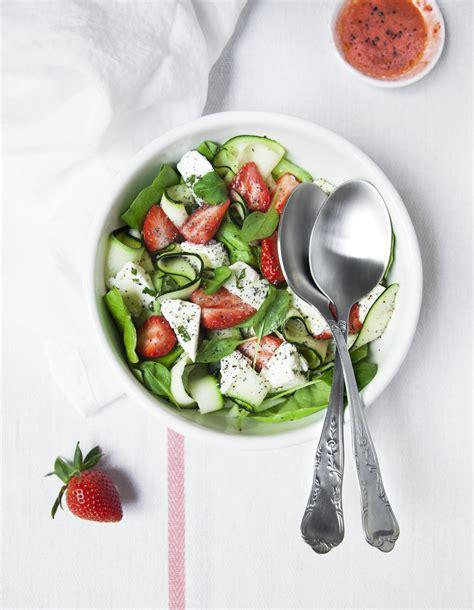 fr2 recettes de cuisine salade fraises courgettes feta pour 4 personnes