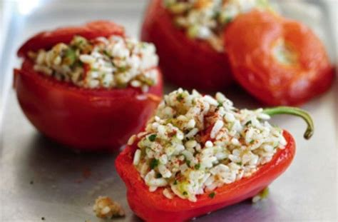 slimming world s spicy rice stuffed peppers 10 tasty
