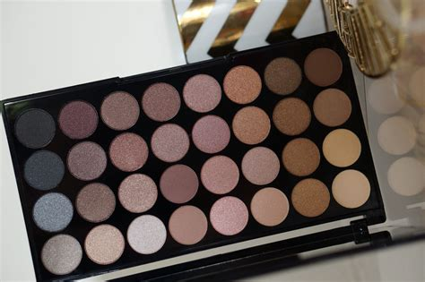 Makeup Revolution makeup revolution ultra 32 eyeshadow palette flawless