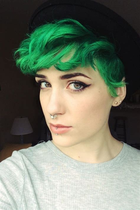 want to know which hairstyles cuts and colors are hot right now then this is exactly where you need to be between our panel of expert stylists and scouring the red carpets we bring you today s fre best 25 short dyed hair ideas on pinterest short hair