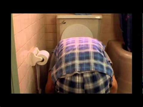 ace ventura bathroom ace ventura pet detective einhorn is a man youtube