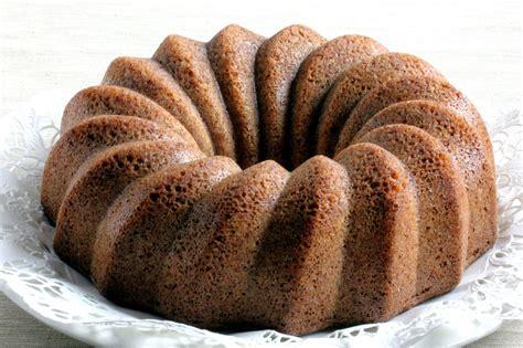 apple cinnamon chip bundt cake recipe dishmaps