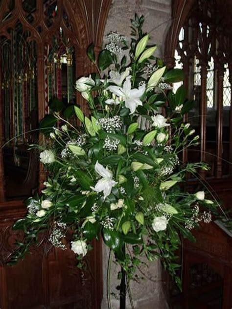 Church Flower Arrangements Pedestal Best Ideas About Church Flowers Pedestal Flowers Pedestal
