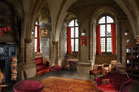 gryffindor bedroom ideas gryffindor common room google search home sitting room pinterest bedrooms the