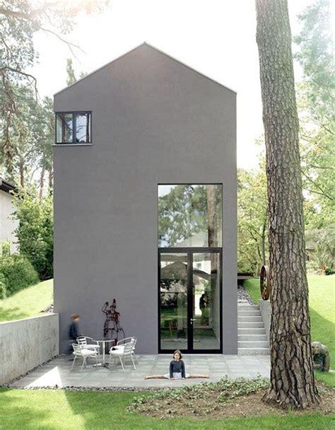 moderne fassadenfarbe ein haus in grau schlicht modern kolorat haus