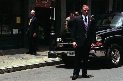 secret service file secret service agents stand guard jpg wikimedia commons