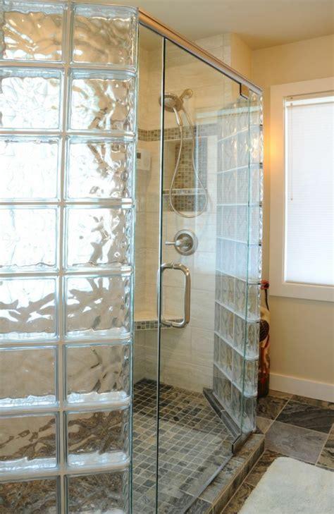paroi de en verre mettons des briques de verre dans la salle de bains