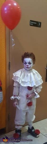 pennywise child halloween costume photo