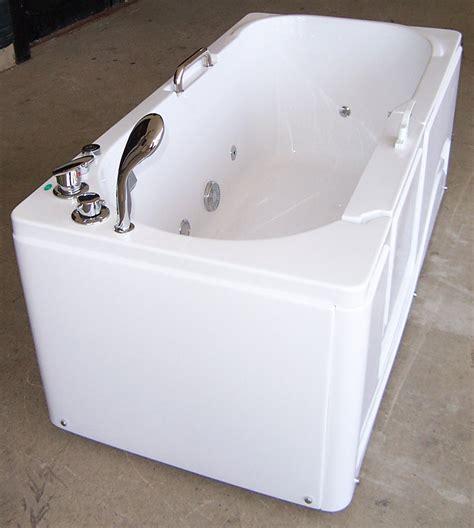 luxury bathtub spa luxury spas and whirlpool bathtubs ow 9wo4 walk in tub