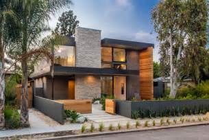Modern Homes A New Contemporary Home Arrives On This In Venice