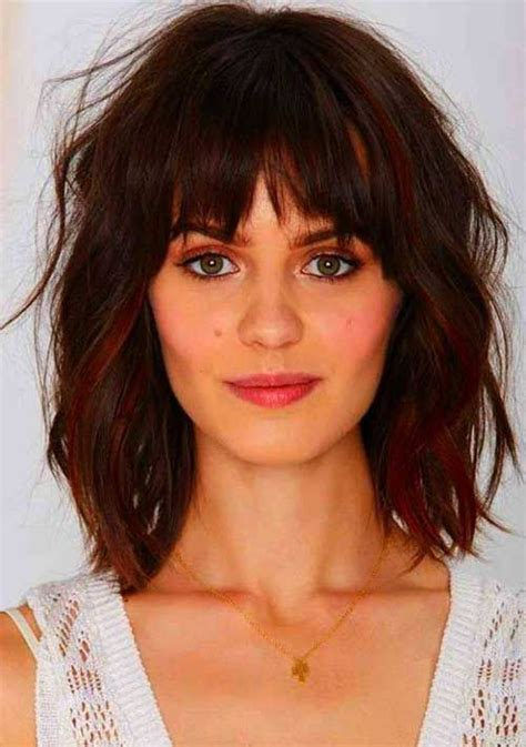 short hair ut feathered off face short hairstyles with bangs for round faces hair