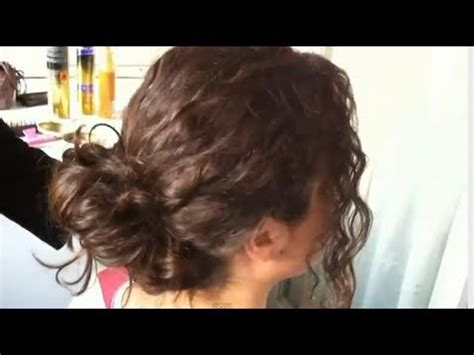 como hacer un chongo facil y rapido youtube c 243 mo hacer un peinado f 225 cil y r 225 pido para cabello rizado