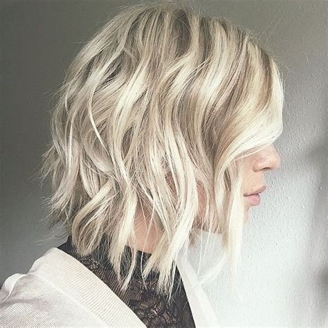 inverted triangle haircuts shoulderlengthj 17 best ideas about wavy inverted bob on pinterest ash