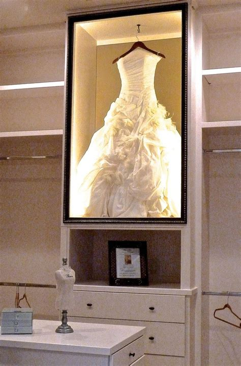 Wedding Box Display by 25 Best Ideas About Wedding Dress Display On