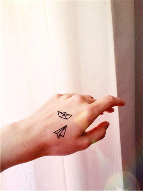 tattoo love boat the plane avi 243 n y barco de papel peque 241 o 44 tatuajes delicados y