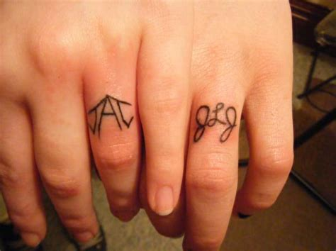 married couple matching tattoos trend tattoos unique wedding rings tattoos