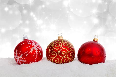 20 more ball decoration for a free christmas wallpaper and