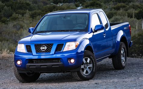2012 nissan frontier 4x4 pro4x front view photo 1
